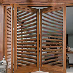 Fábrica de portas de madeira